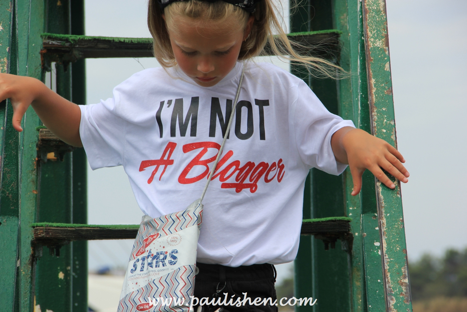 i a not a blogger